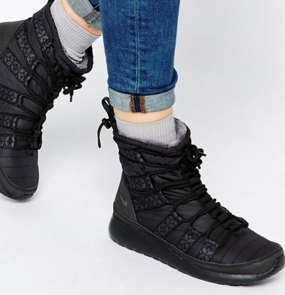 Nike Shoes | Nike Roshe Run Hi Black